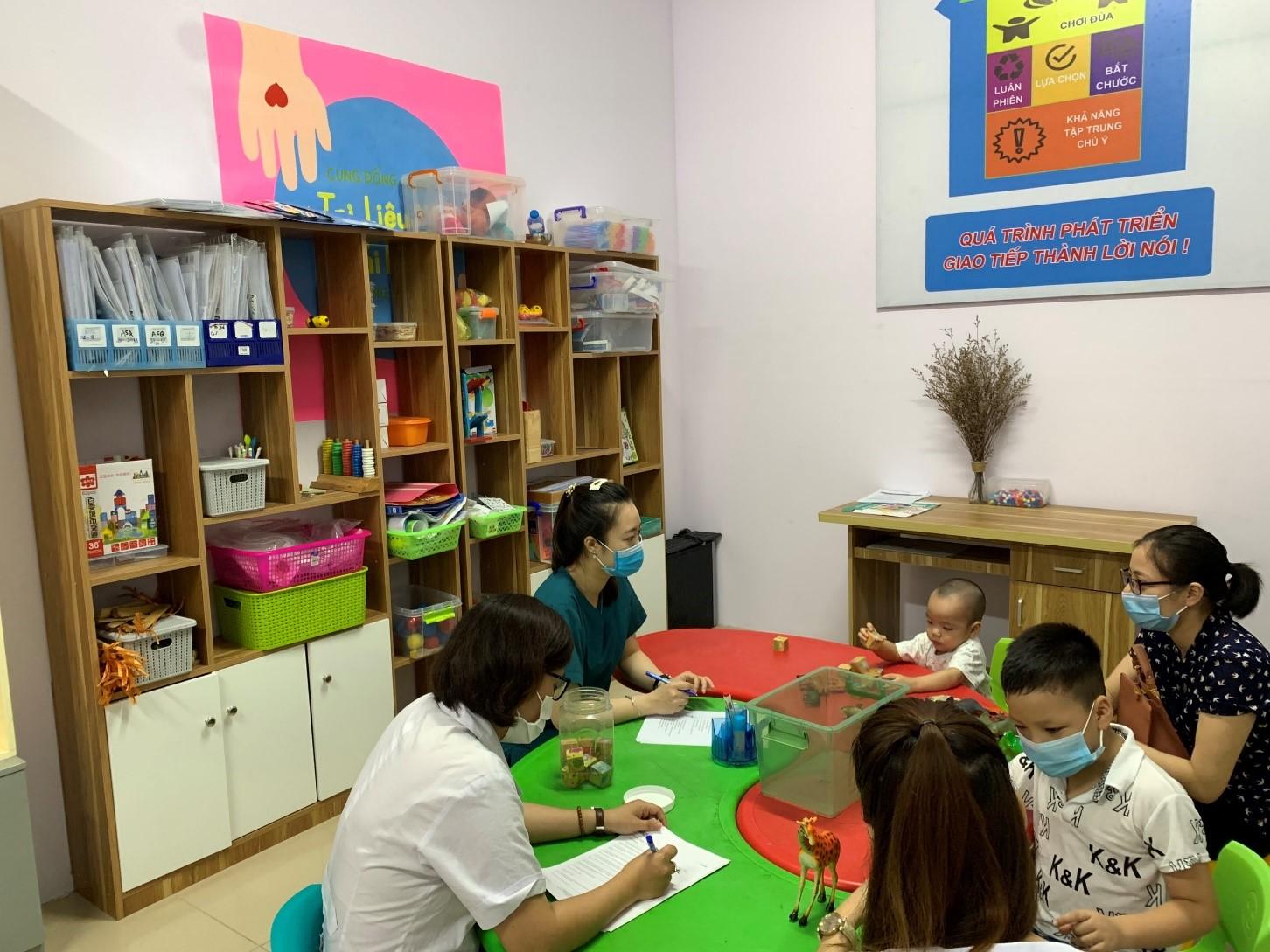 Tự kỷ ở trẻ em tại trị liệu nhi bệnh viện đa khoa Hòa Bình Hải Dương